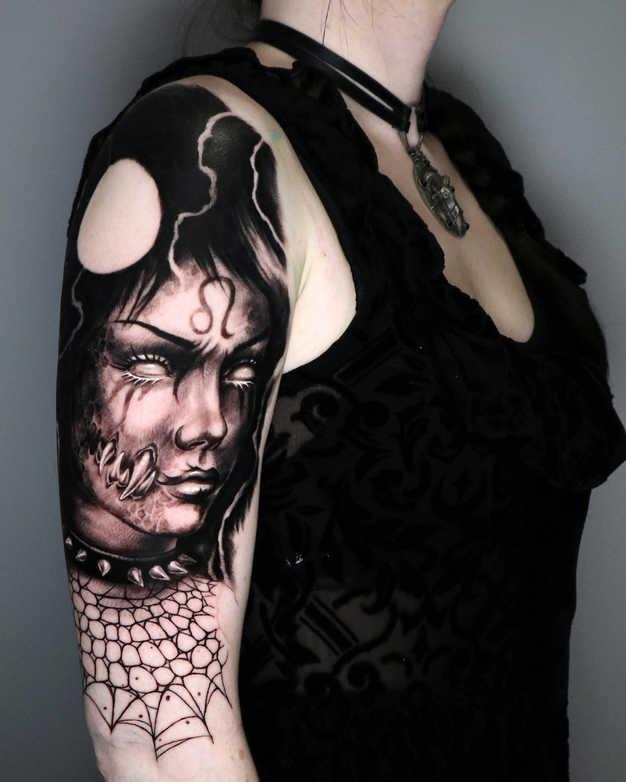 Gotisk kvinde løve12.jpg