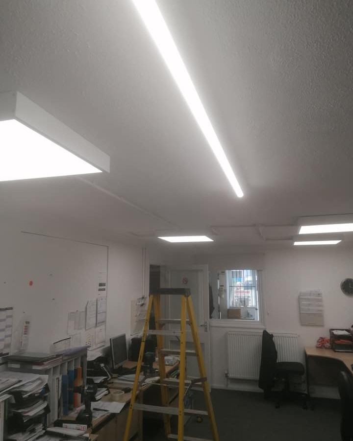 Replacment lights in office for LED