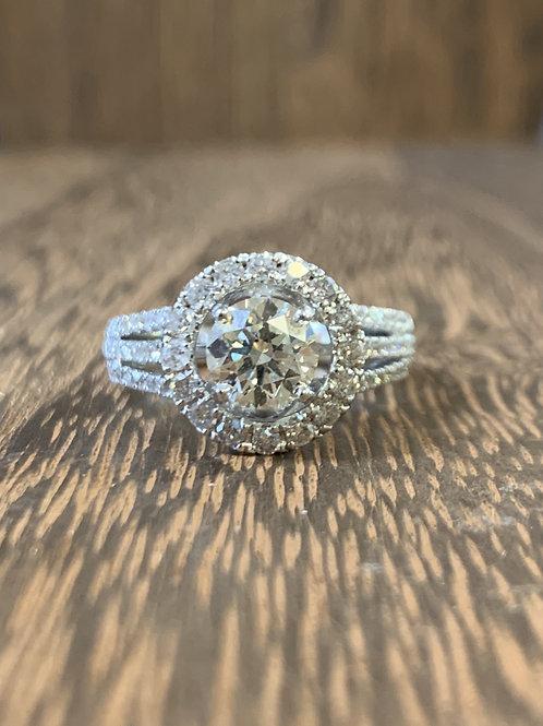 Round Halo Diamond Ring