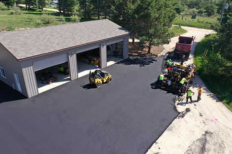 Asphalt-Driveway-Installation.jpg