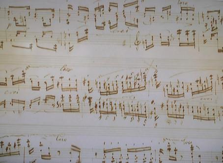 シンセサイザーでカラオケ伴奏
