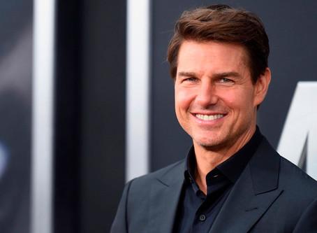 Furor en las redes por un vídeo de Tom Cruise saltando con una moto al vacío