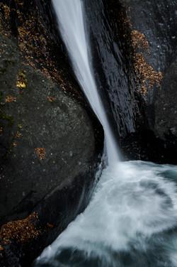 大柳川渓谷の個性ある滝