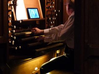 Philippe Lefebvre aux claviers du grand orgue