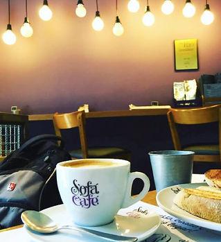 Sofá Café RJ.jpg