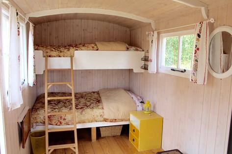 'The Big' hut bunkbeds