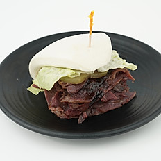 Spicy/Non-Spicy Beef Sandwich 大嘴牛肉包