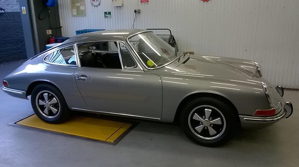 Porsche windscreen and heated rear windo