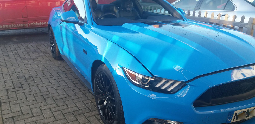 Mustang Windscreen Ready for Installatio