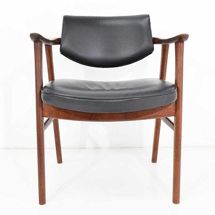 Danish Executive Chair