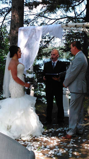 Fargo Wedding Officant, Tie The Knot ND