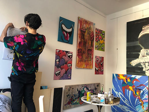 JulianPenaGallery_Gallery_Hanging_Julian