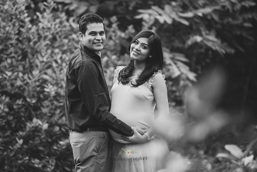 Maternity Photographer in Delhi