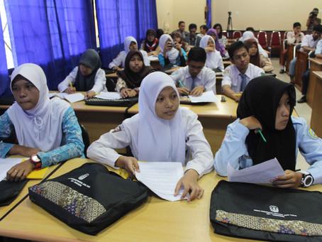 Antara Pendidikan dan Pengajaran