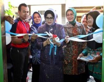 Nina Soekarwo Resmikan PAUD Holistik Integratif di Surabaya