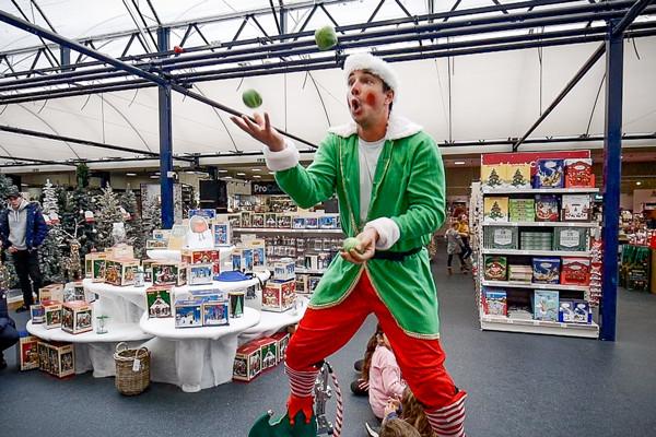 Juggling Elf