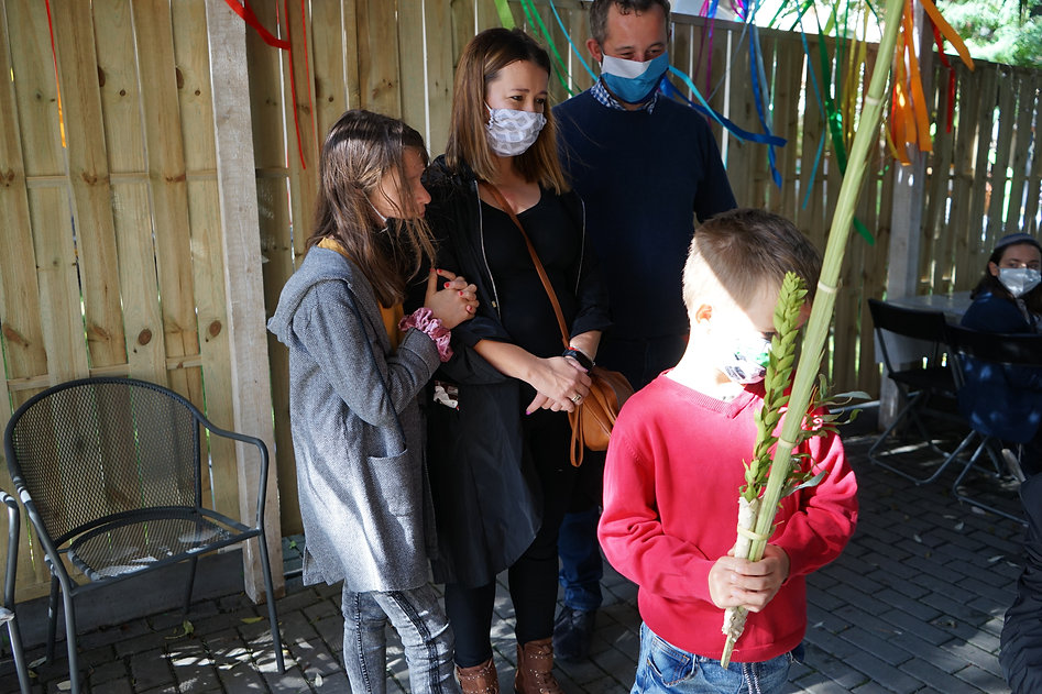Family with lulav