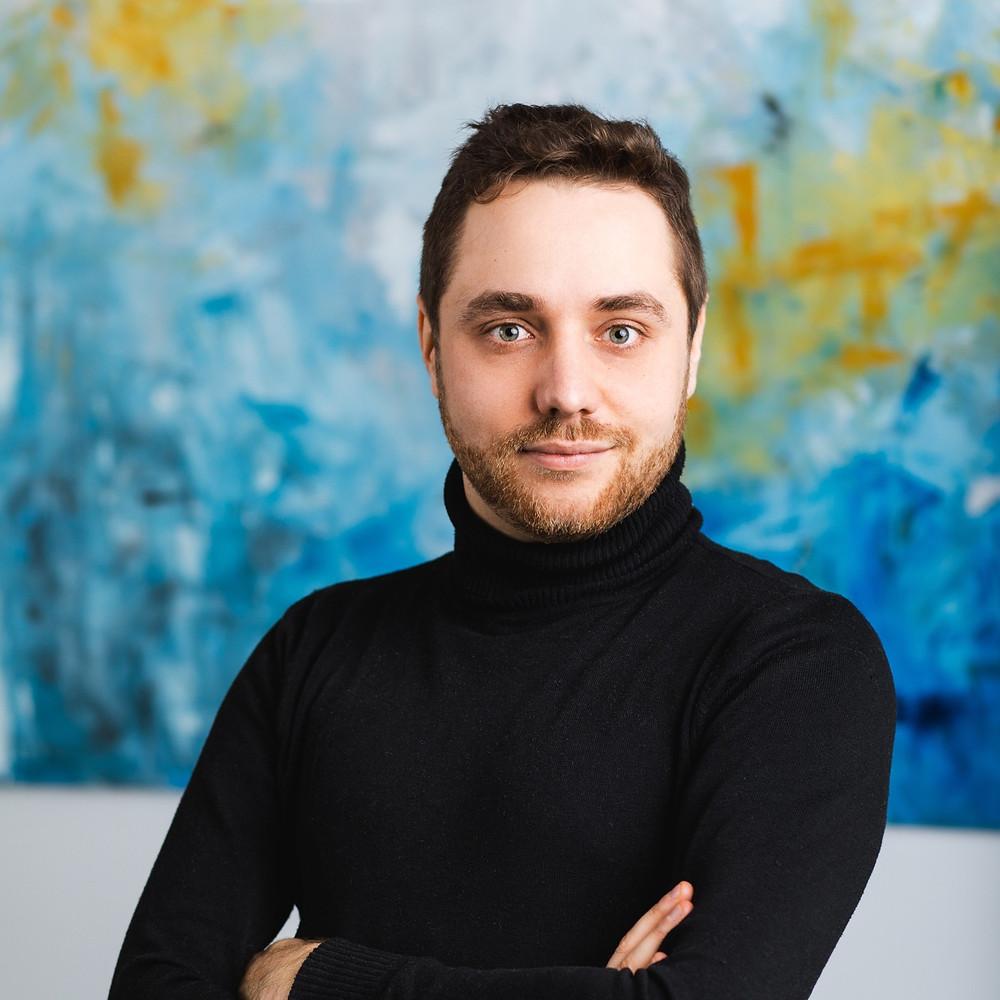 Portret Jakuba Gołębiowski   CEO & Marketing specjalistów w Rek House