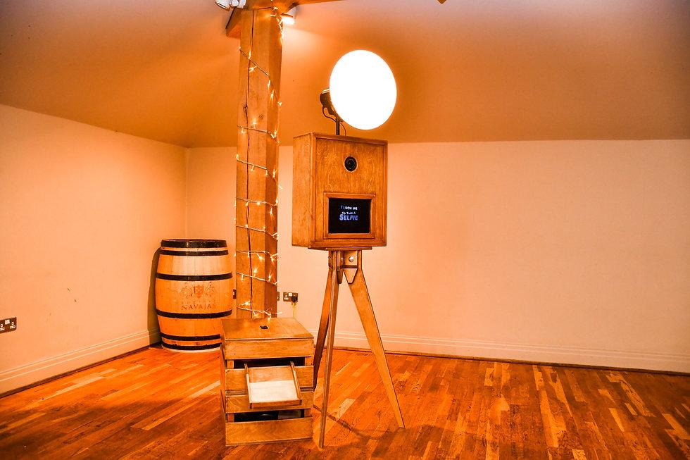 Rustic booth 1-2.jpg