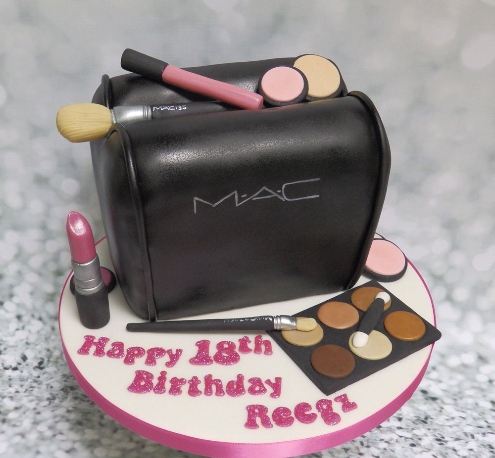 Realistic Cake Sculpture - makeup