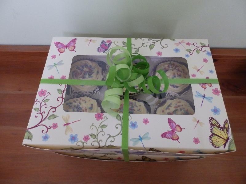 A Pretty Cupcake Delivery