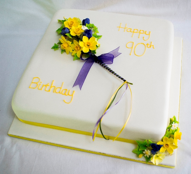 Elegant Personalised Birthday Cake