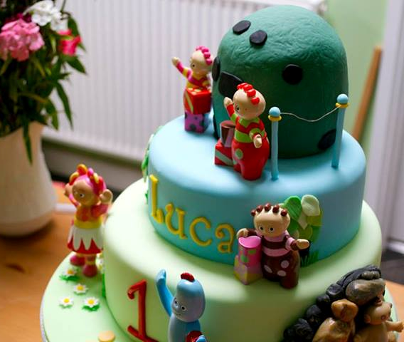 A Children's Birthday Cake Delivery