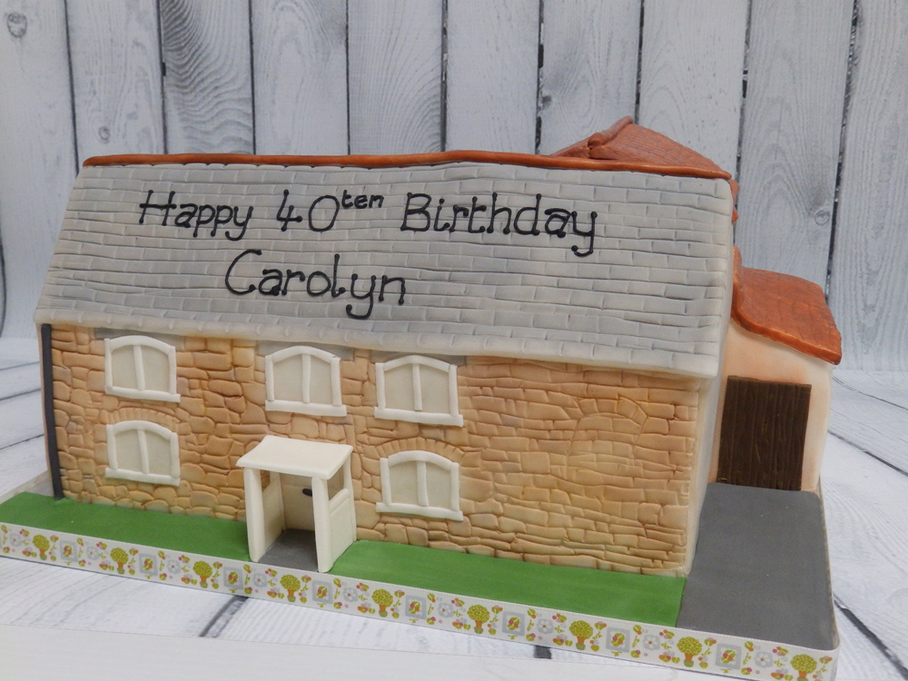 Personalised-Cottage-Birthday-Cake