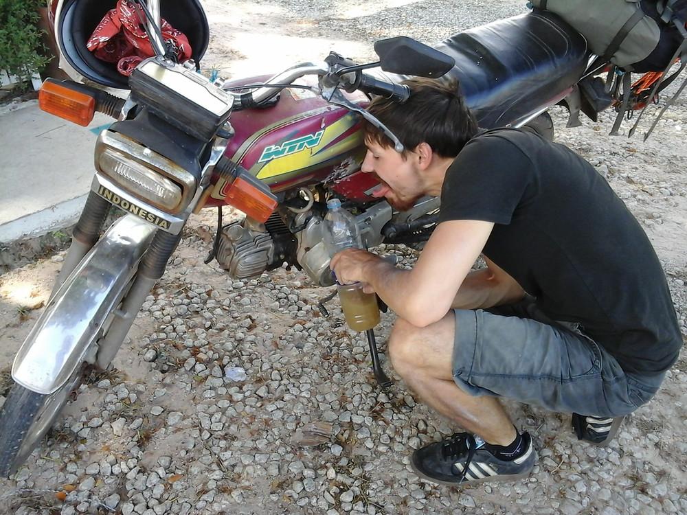 Moped ist defekt und leckt