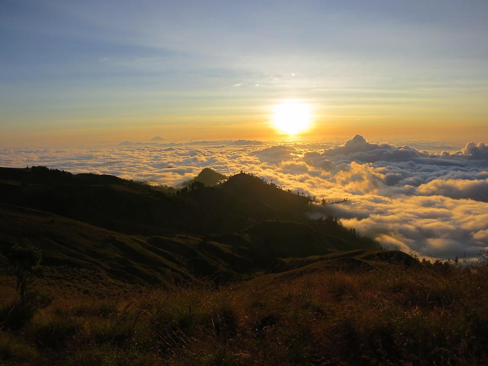 Sonnenaufgang auf dem Mount Rinjani
