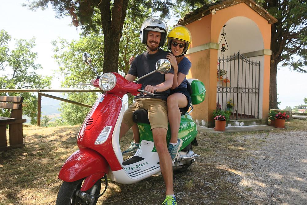 Mit der Vespa durch die Toskana