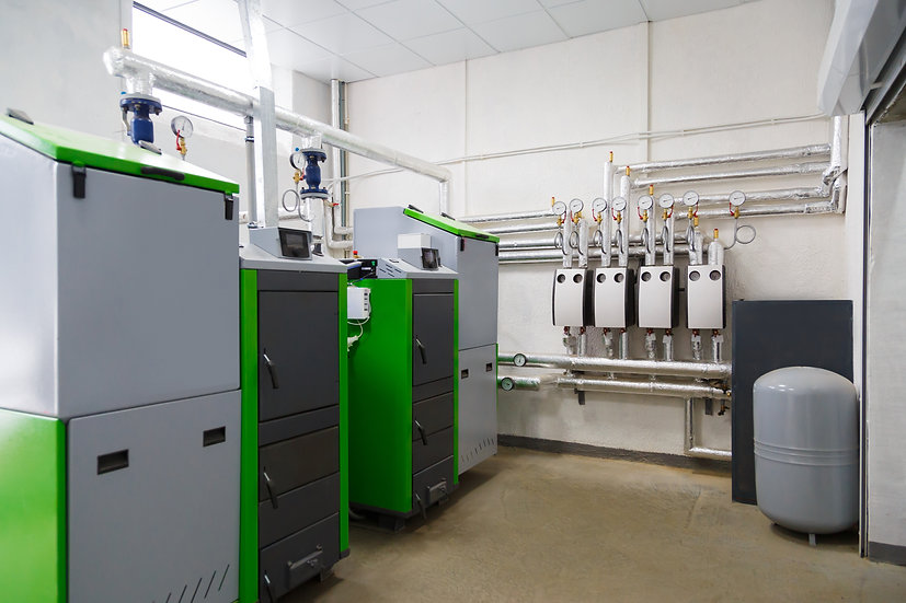 large-industrial-boiler-room-with-appliance-using--KM8SE2D.jpg
