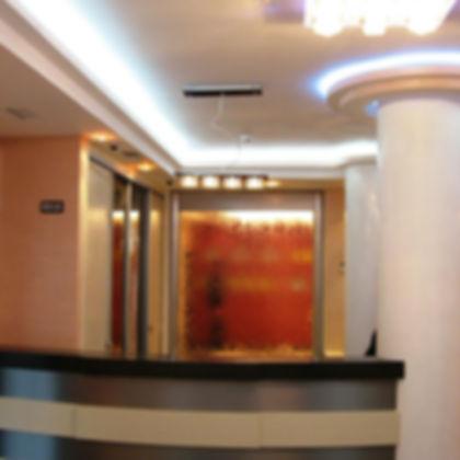 Ściana wodna w salonie, biurze, restauracji