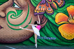 Ballerina in front of Beth Emmerichs piece for WOW 2018, Sacramento