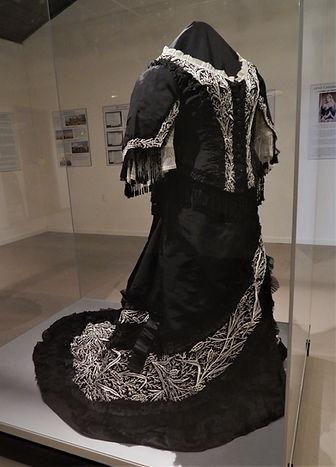 Queen V dress front.JPG