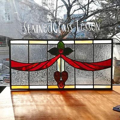 ステンドグラス教室_生徒さん作品__H溝の鉛線にガラスを組み込む工法で作ったパネ