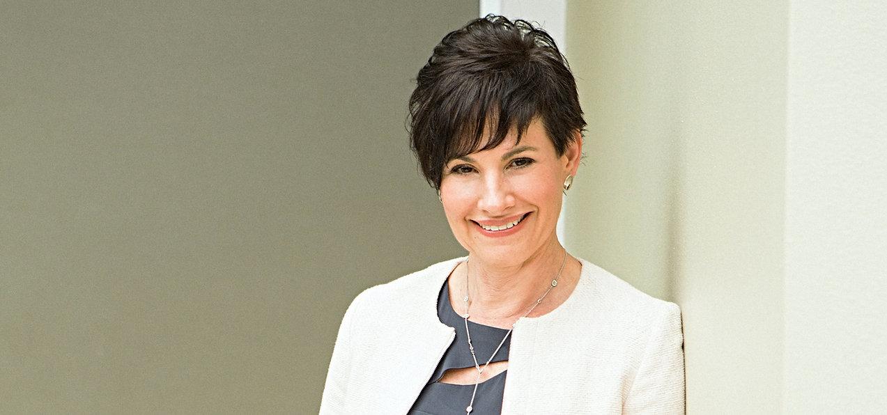 Dr Elizabeth Sigston 2 .jpg