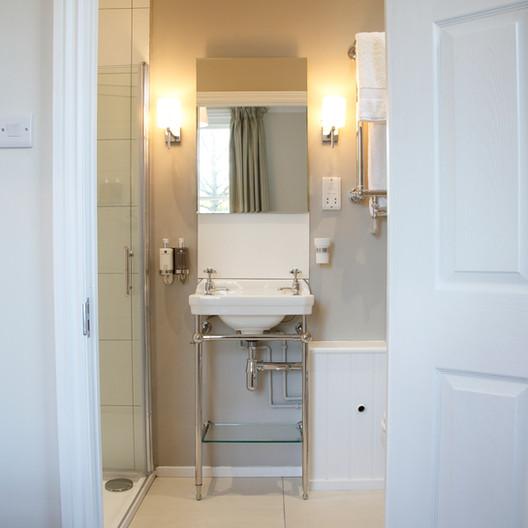 saddlers bb brookland shower8.JPG