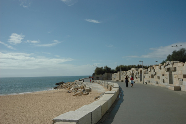 Vista do passeio e acesso à praia
