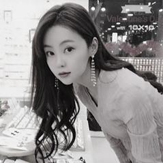 윤향기_편집본.png