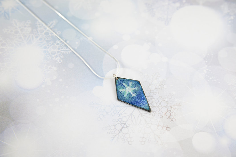 Reversible blue snowflake