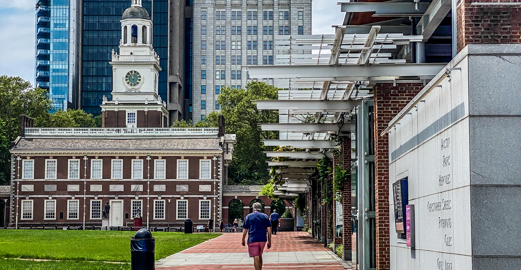 Independence Hall Walkway