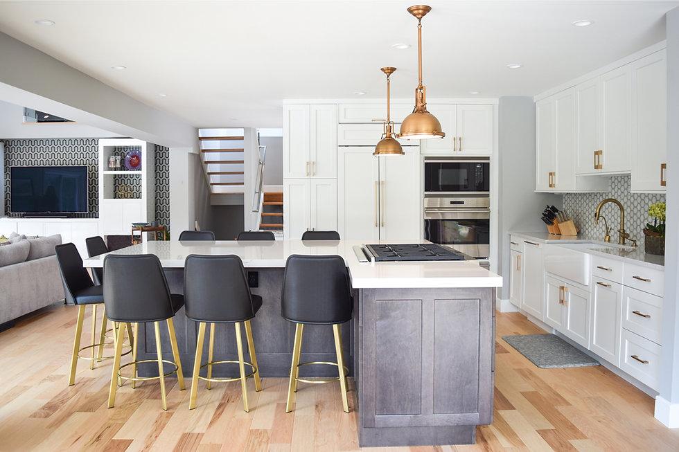 East Hampton Clean & Chic Kitchen