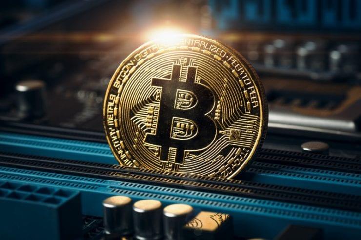 bitcoin analytics platforma)