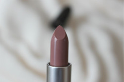MAC Feed the Senses Lipstick Review Swatch Swatches (8)