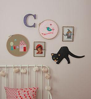 Wandbild 25cm Design Haus Stickrahmen mit applizierten Stoffmotiven