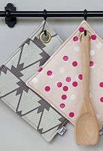 Fides handcrafted goods| Topflappen mit Messingöse