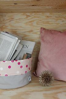 Fides handcrafted goods|Kissen Samt 40cm x 40cm mit Hotelverschluss Innenkissen: 100% Federn