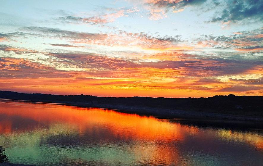sunset%20gold_edited.jpg