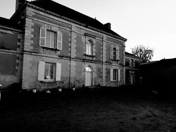 maison noir et blanc.jpg